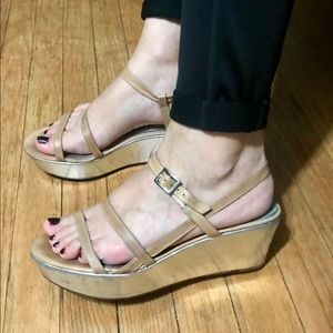 Rare KATE SPADE ♠️ NY Tan Leather Silver Wedges